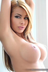 Busty Valeria Shows Off Her Fantastic Naked Body